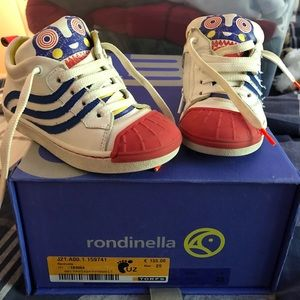 Other - Italian sneakers size 25 boys 8.5